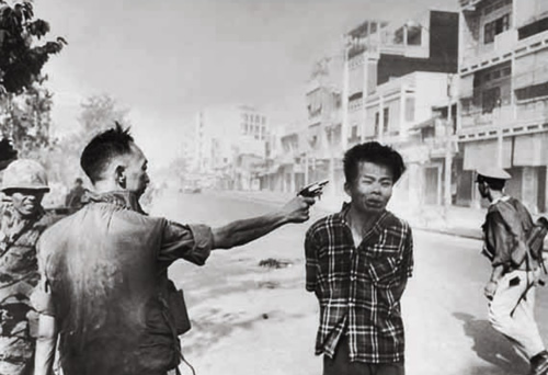 Police chief executes a viet cong prisoner during the Tet Offensive