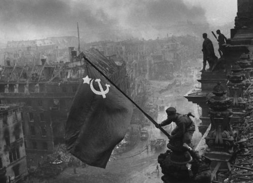 soviet russian flag. Mounting the Soviet Flag over